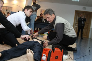 Ukraine team in Ternopil performing Simulation case ACLS