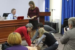 Dr. Michelle Sergel running Sim case in Sudak, Crimea